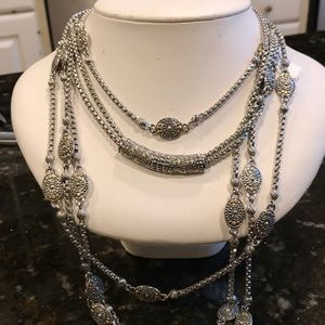 Jewelry - Rhodium-plated substantial necklace